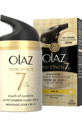 Olaz Total effects 7 in 1 dagcreme touch of sunlight (50 ml)